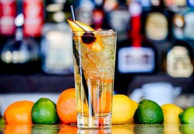 Adams Apple cocktail
