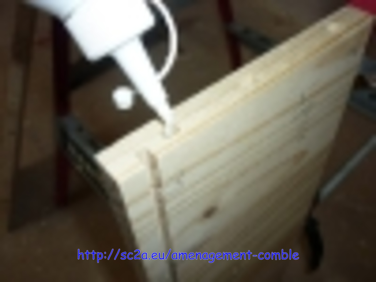 faire des tiroirs sur mesure avec défonceuse,encollage des trous de tourillon