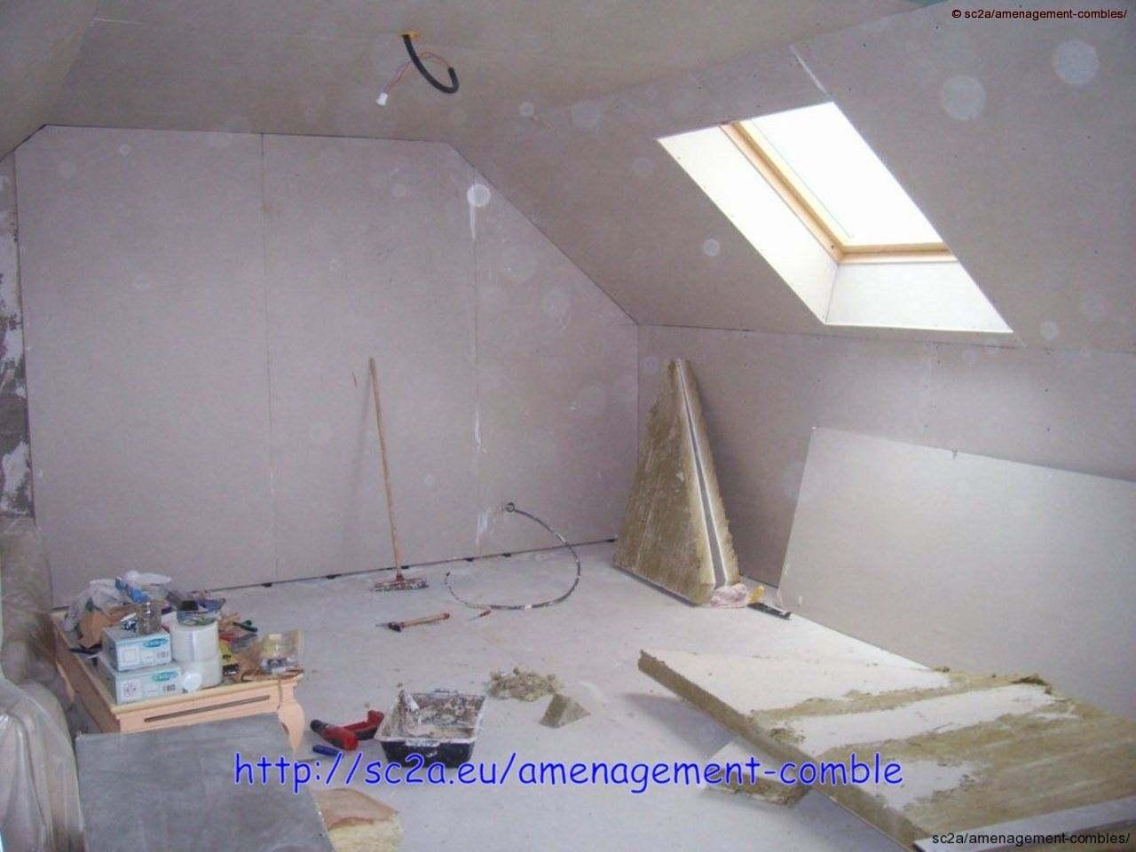 pose plaque placo au plafond, sous-pente et murs. entourage velux en placo