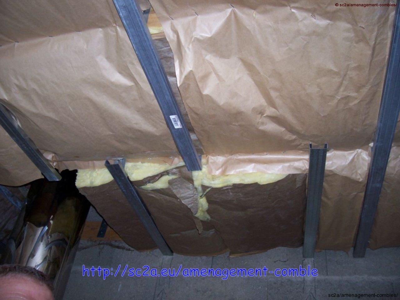 mise en place de rails pour la trappe d\'accès au plafond des combles 1