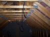 passage gaines électriques au plafond des combles