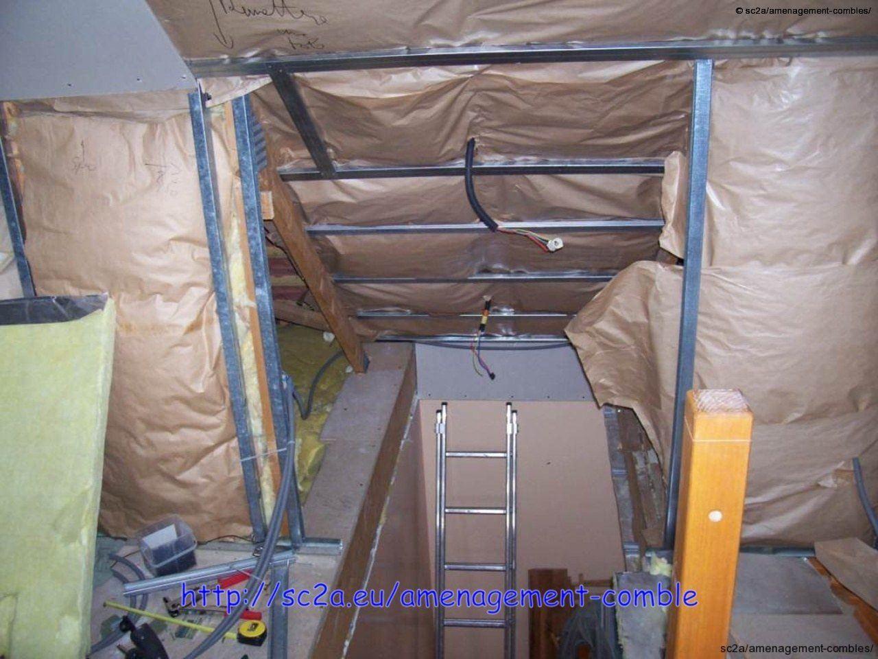 Pose placoplatre montée escaliers – Aménagement des combles