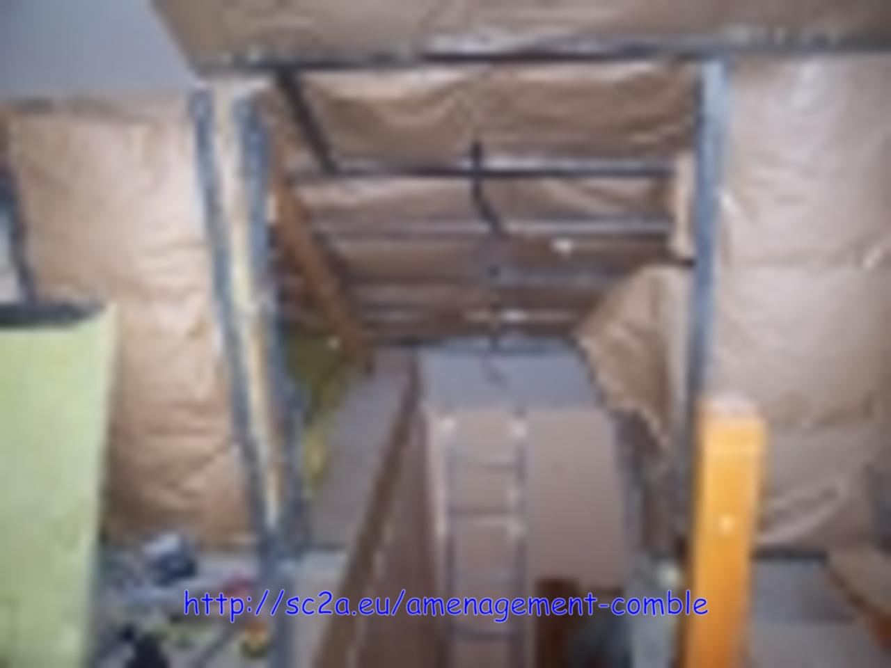 pose laine de verre, rail et montant placo - montée escalier 1