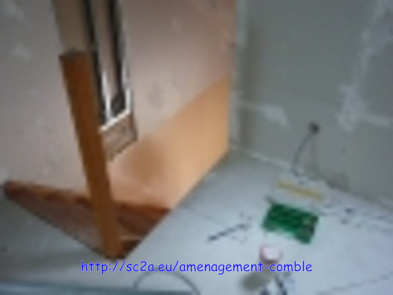 pose  montant placoplatre - montée escalier - préparation support