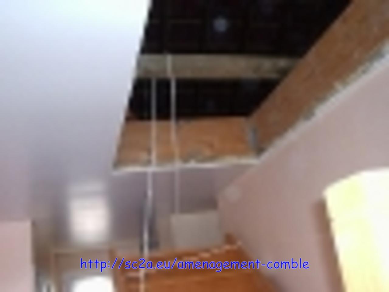 Mise en place provisoire de l\'escalier - levage des éléments en kit de l\'escalier