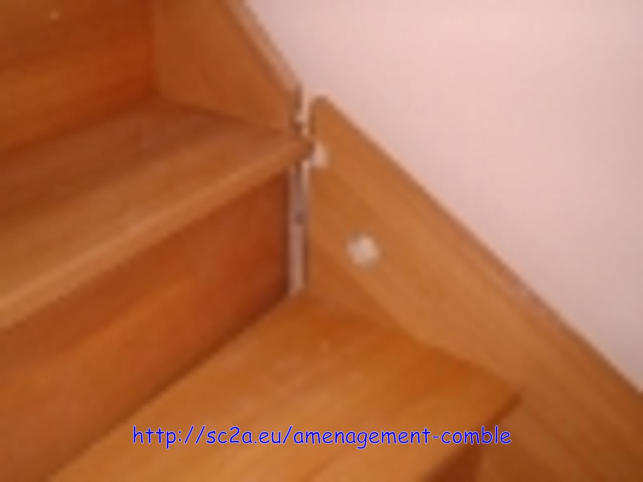Mise en place provisoire de l\'escalier - assemblage des éléments en kit