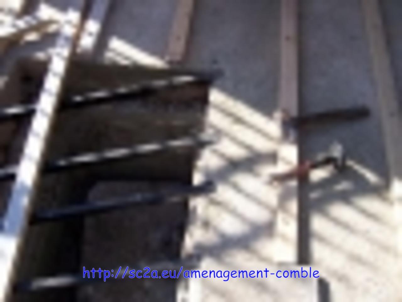 Supports métalliques sous les lambourdes