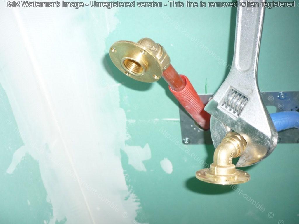 mise en place kit retigripp dans douche italienne sur plancher bois